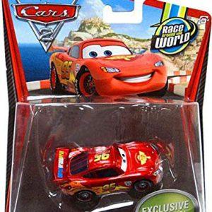 Disney / Pixar CARS 2 Movie Exclusive 155 Die Cast Car Lightning McQueen with Metallic Finish