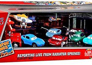 Disney / Pixar CARS RADIATOR SPRINGS CLASSIC Exclusive 1:55 Die Cast 9-Pack Reporting Live From Radiator Springs!
